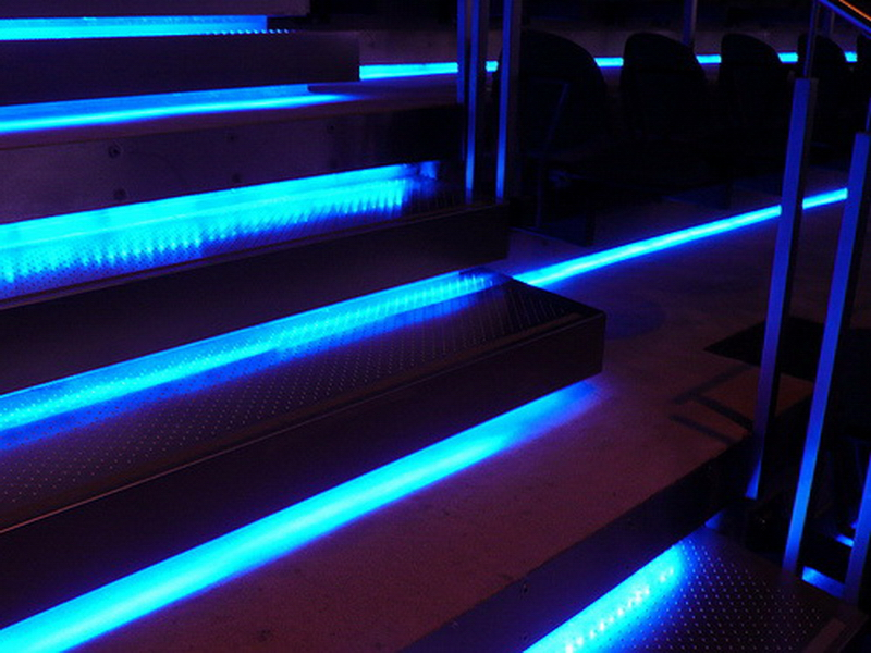Unusual garden ideas used here. Illuminated steps