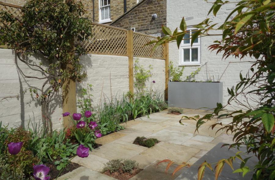 Re designed garden with Small Garden ideas