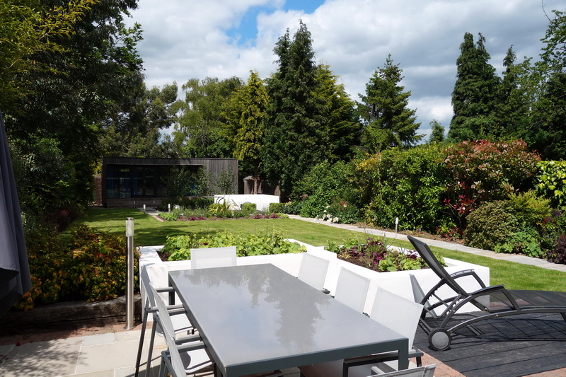 Small garden design raised rendered beds
