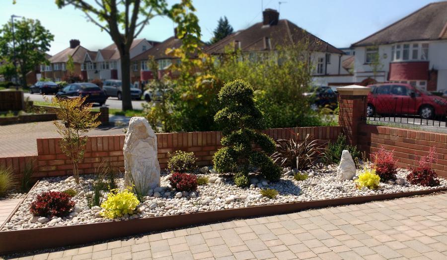 Pebble Garden After transformation by Rhoda Maw