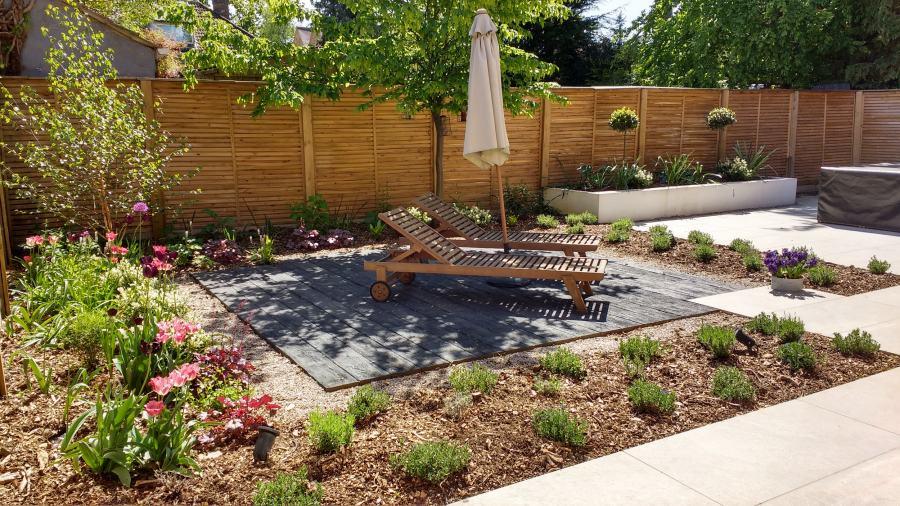 Relax in the Minimalist Garden