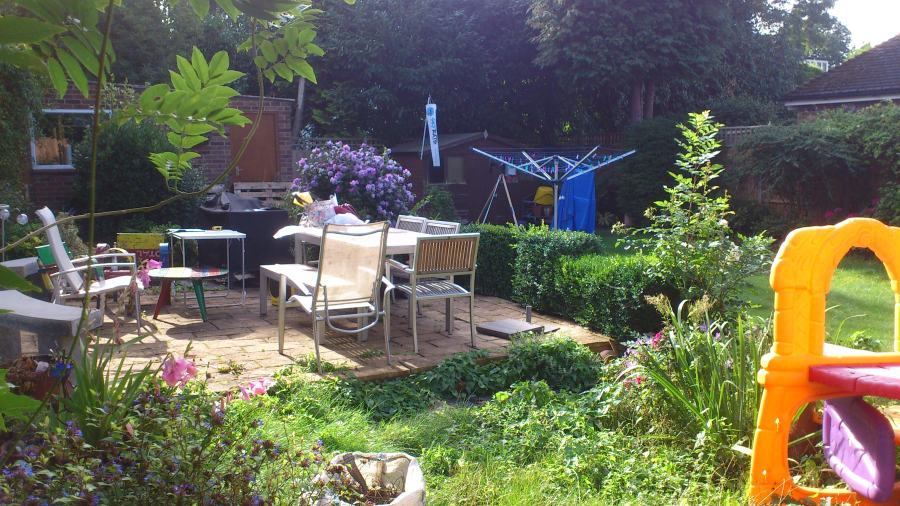 wide shallow garden in need of rhoda maw